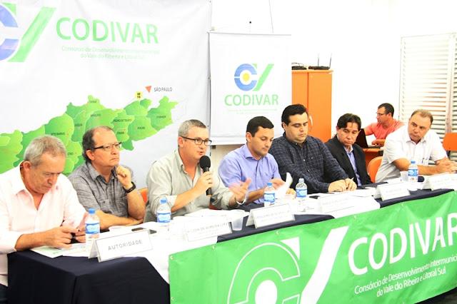 Prefeitos do Codivar se reuniram na Ilha e abordaram projetos sobre o Turismo
