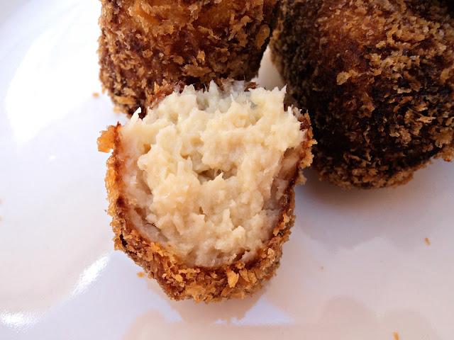 croquetas-pollo-pan-japonés-bocado