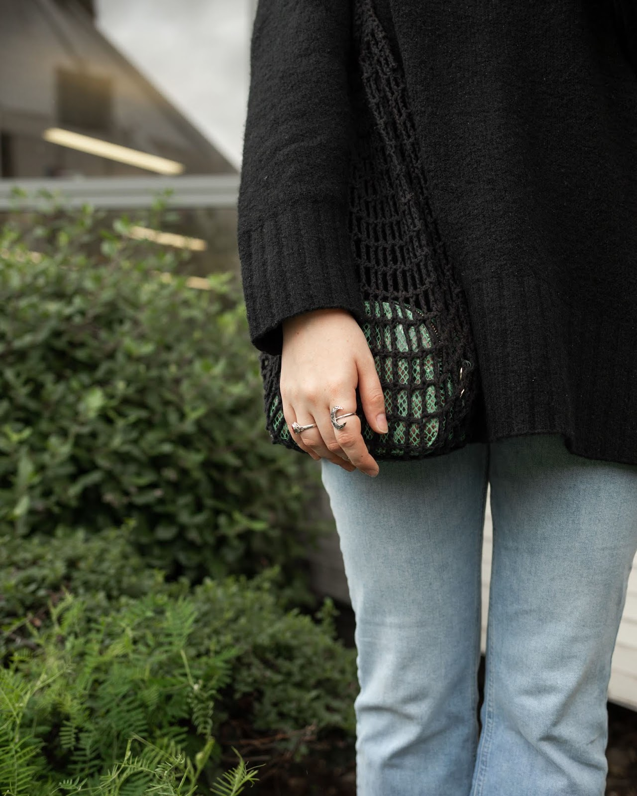 styling market bag for autumn