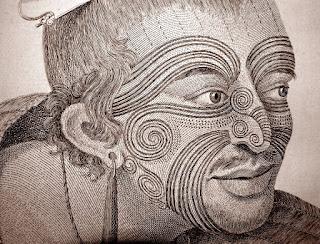 Cara totalmente tatuada, de un líder maorí