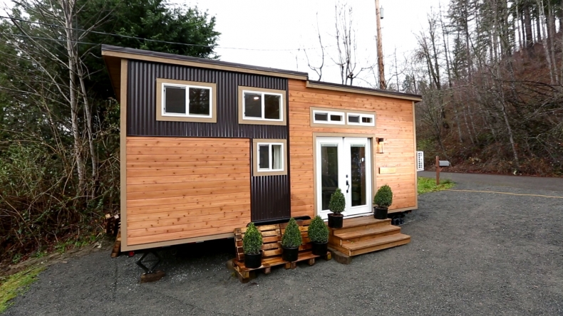 The 220 Sq Ft Romantic Abode Tiny House Town