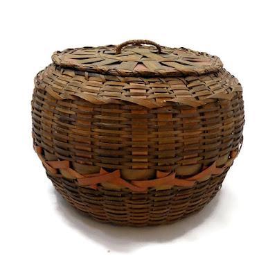 NE Native American Antique Basket Round Lidded Dyed Splint