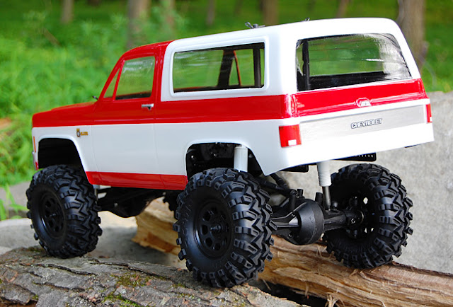 "Axial AX10 chevy blazer 1.9"" tires"