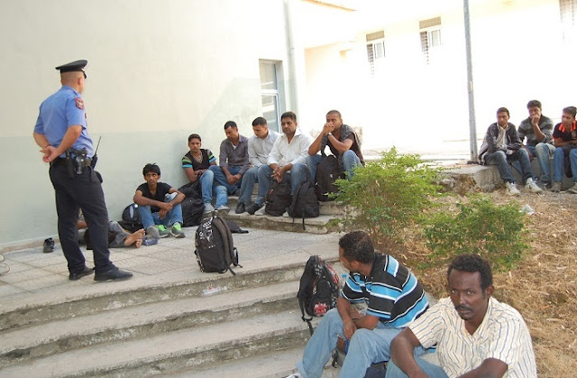 13 Asian immigrants caught South Albania