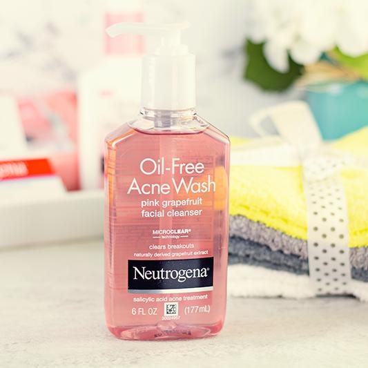 3. Sữa rửa mặt Neutrogena Pink Grapefruit là Salicylic Acid