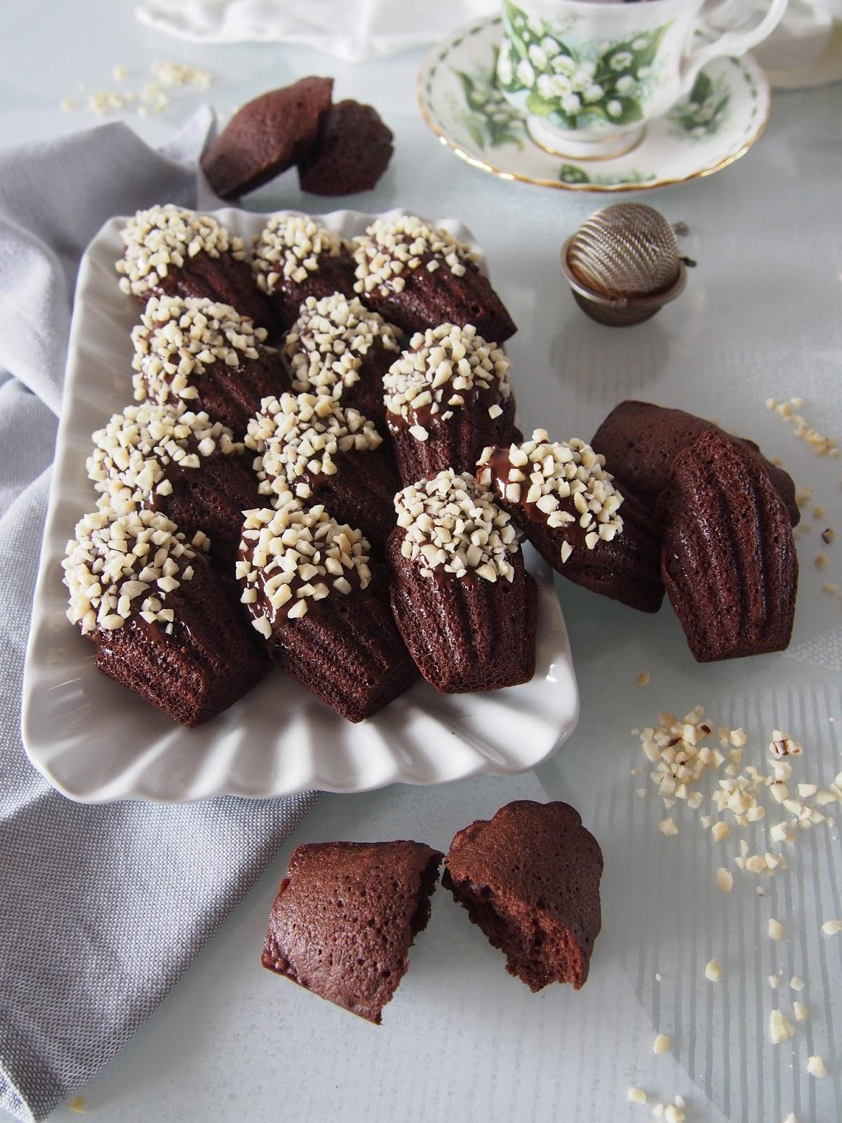 Madeleines al cacao e cioccolato