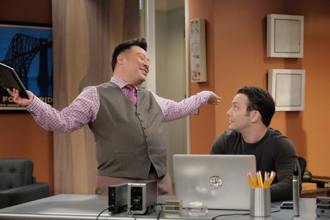 Young and Hungry - Season 3 Episode 10: Young & No More Therapy