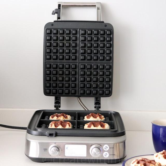 breville the Smart Waffle™ Pro 4 Slice