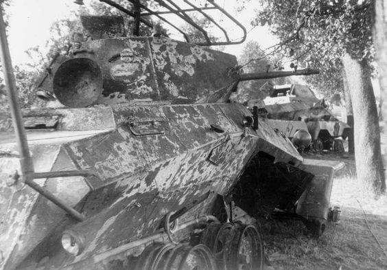 20 May 1940 worldwartwo.filminspector.com Rommel SdKfz 263 231