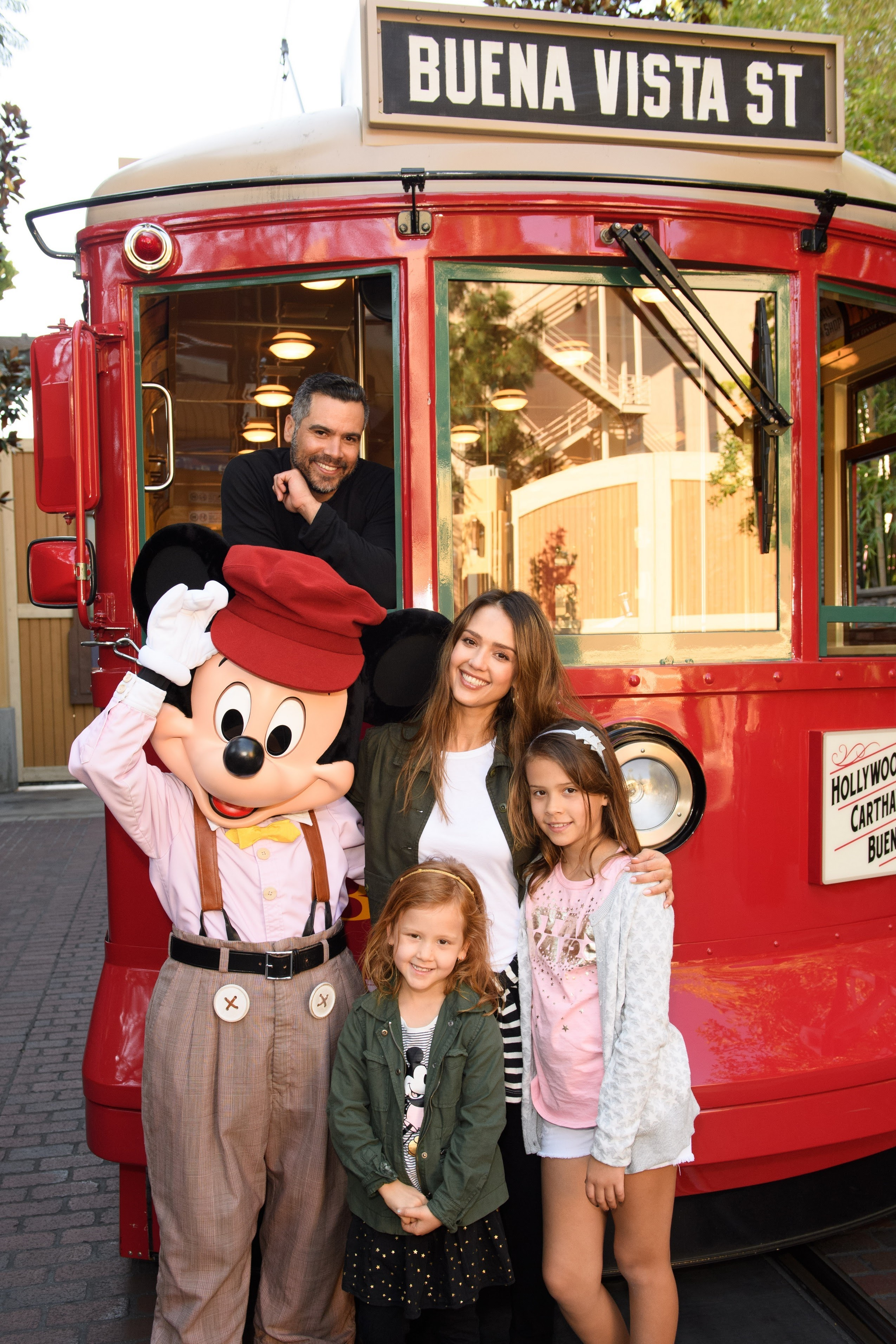Jessica Alba and the family's Disneyland holiday