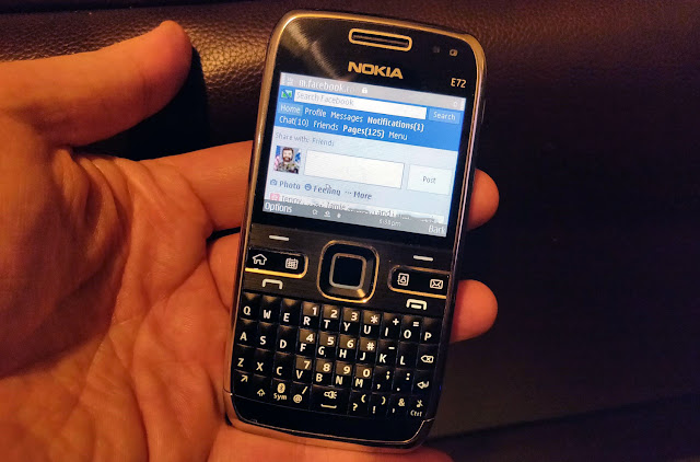 Nokia E72 using Facebook