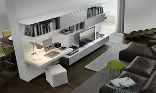 Sala decorada con escritorio