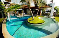 curved swimming pool