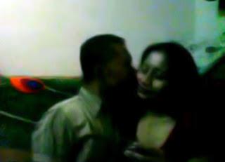 Video Mesum Paman dengan Selingkuhan Lagi Asyik
