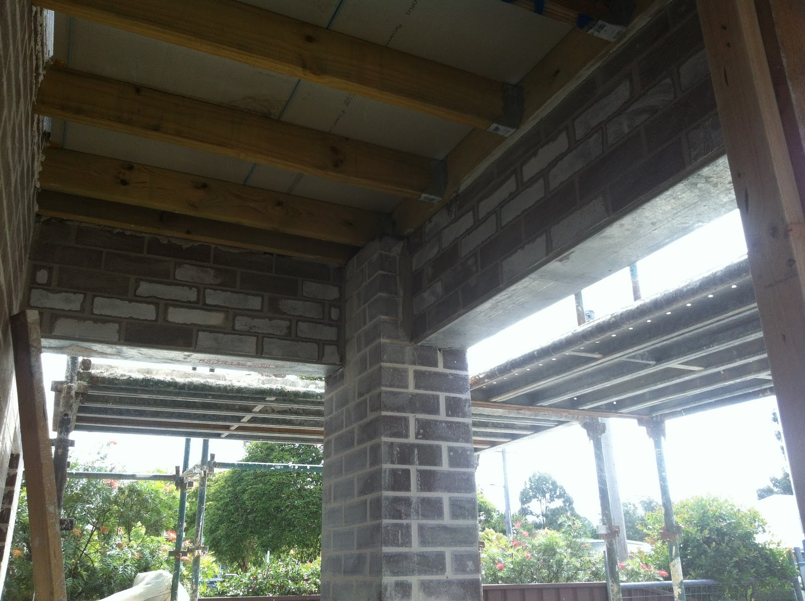 The Glenleigh Project Garage Roof Amp Balcony Posts Day 133