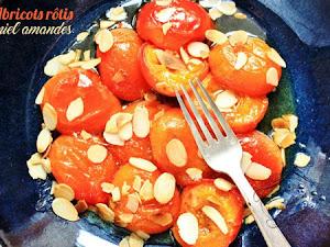 Abricots rôtis au miel et aux amandes