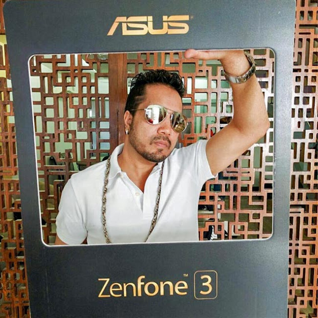 Mika promotes Asus Zenfone 3 series smartphones - Singer Mika snapped during promotion of Asus Zenfone 3 series smartphones