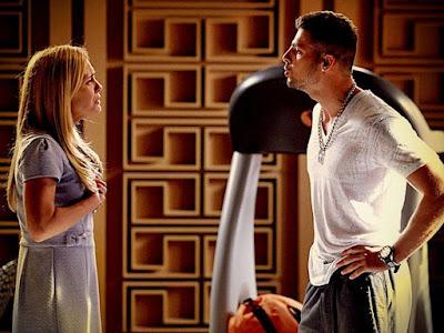 Jorginho (Cauã Reymond) não acredita na mentira contada por Carminha (Adriana Esteves)