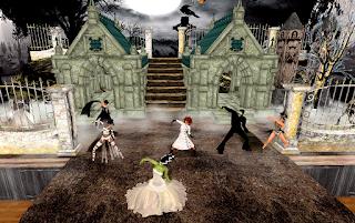 Monster Mash, Queenie w/Players