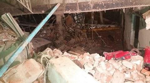Most jött a hír: felrobbant egy ruhagyár, rengeteg a halott és a sebesült