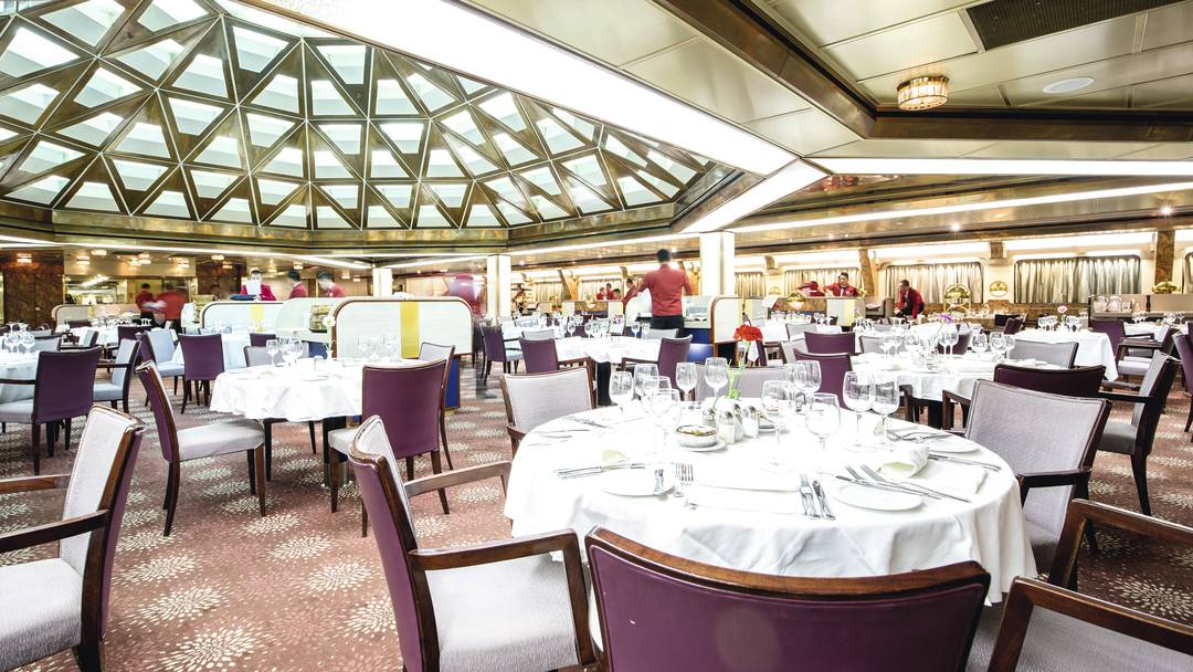 main restaurant on Thomson Dream cruise ship
