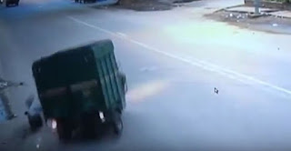 CCTV: Man hit by Truck gets Robbed, Dies! | Andhra news daily
