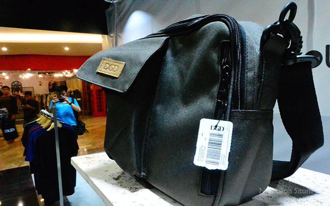 Ada yang minat dengan tas seperti ini? Harganya 240K