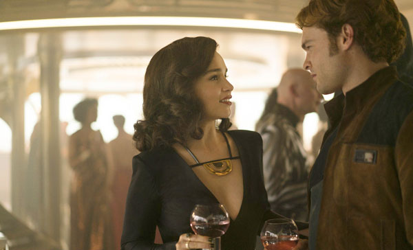 Qi'ra (Emilia Clarke) plays Han Solo's (Alden Ehrenreich) lover in SOLO: A STAR WARS STORY (2018)