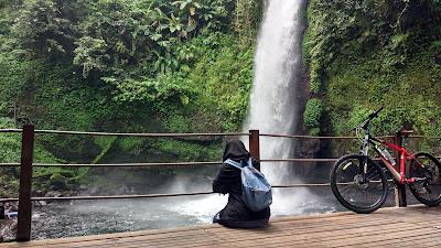 pendopo curug sawer Situ Gunung sukabumi