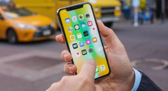 Apple mengakui masalah sentuh iPhone X dan kehilangan data MacBook Pro 13