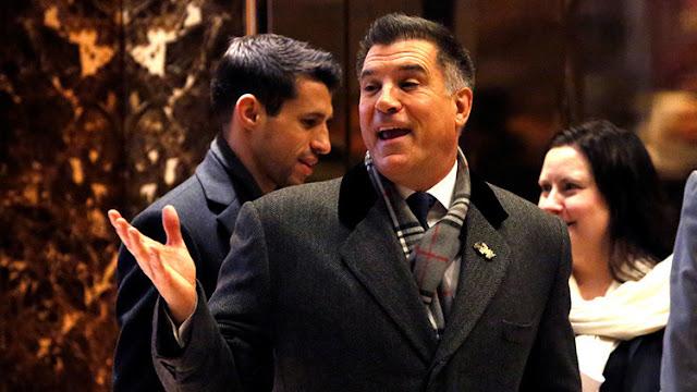El multimillonario Vicente Viola renuncia al cargo de secretario del Ejército de EE.UU.