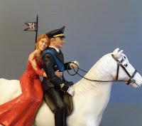 statuine personalizzate nozze militari sposi a cavallo alta uniforme orme magiche
