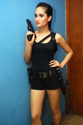 Cinta Laura tom rider dan lara croft mau jadi Seksi dan hot