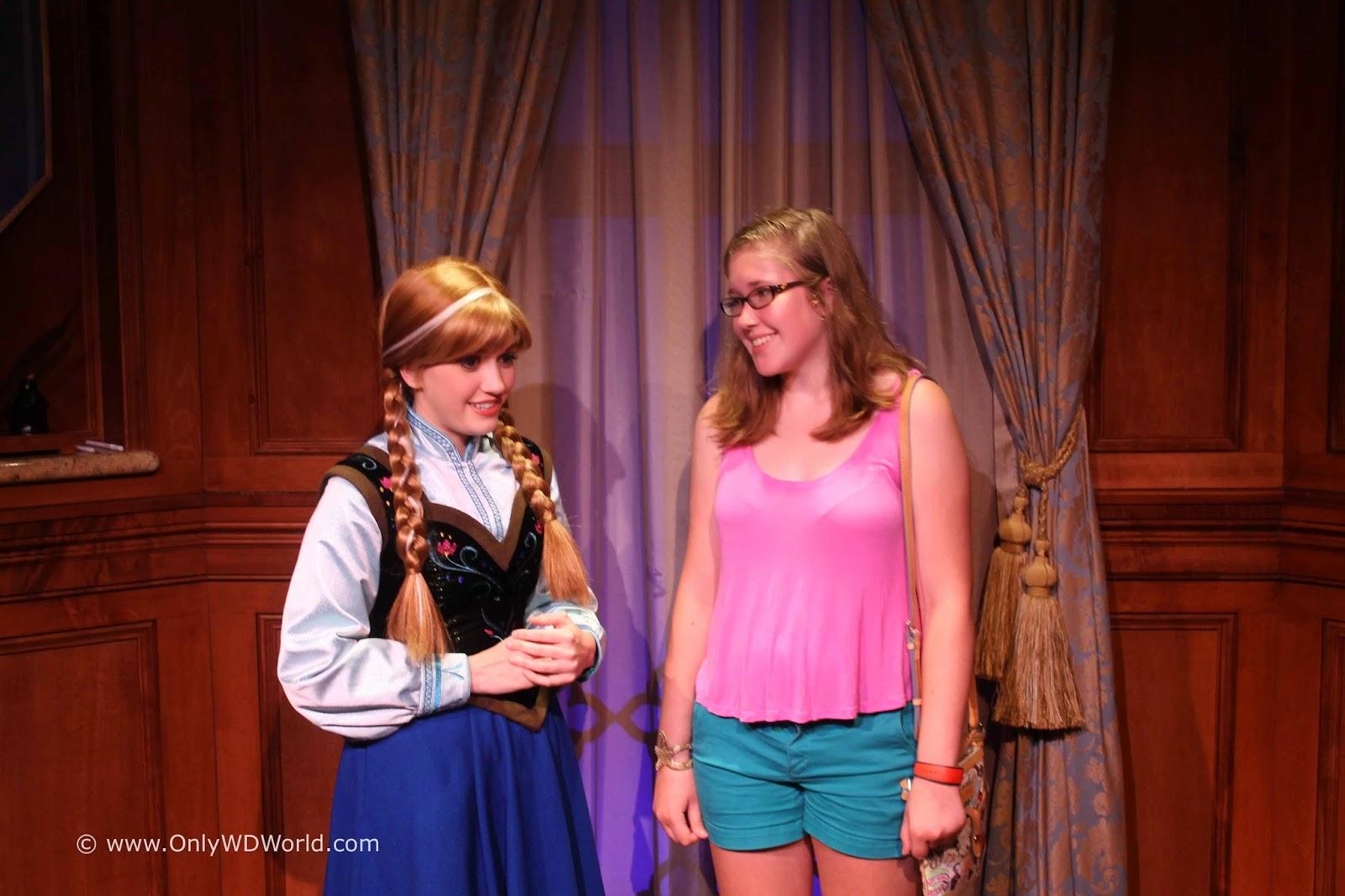Meet Frozens Anna Elsa At Princess Fairytale Hall Disney World