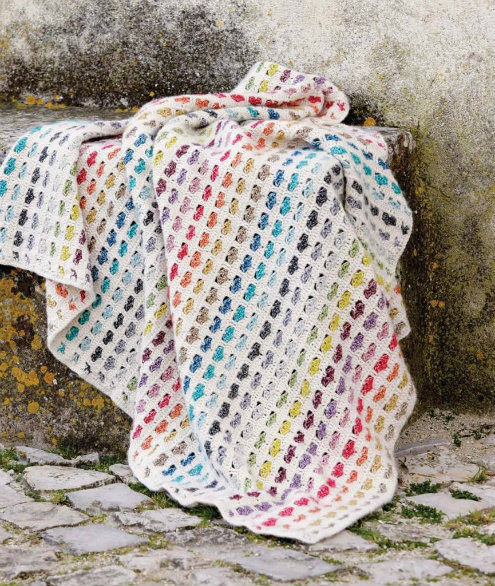 Crcocht rainbow blanket, crochet hearts blanket in Stonewashed XL | Happy in Red