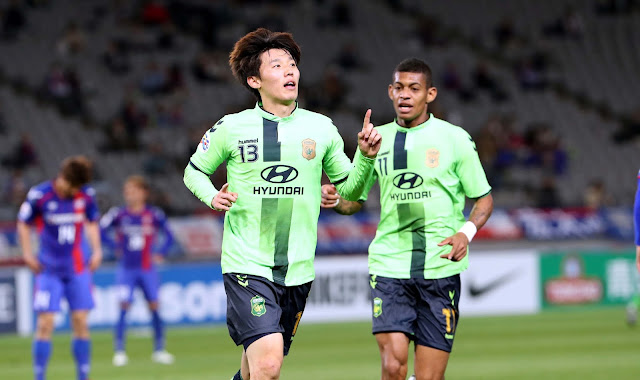 Kim Bo-kyung opened the scoring for Jeonbuk Hyundai Motors in their ACL clash with FC Tokyo.  (Photo Credit: Hyundai-MotorsFC.com)