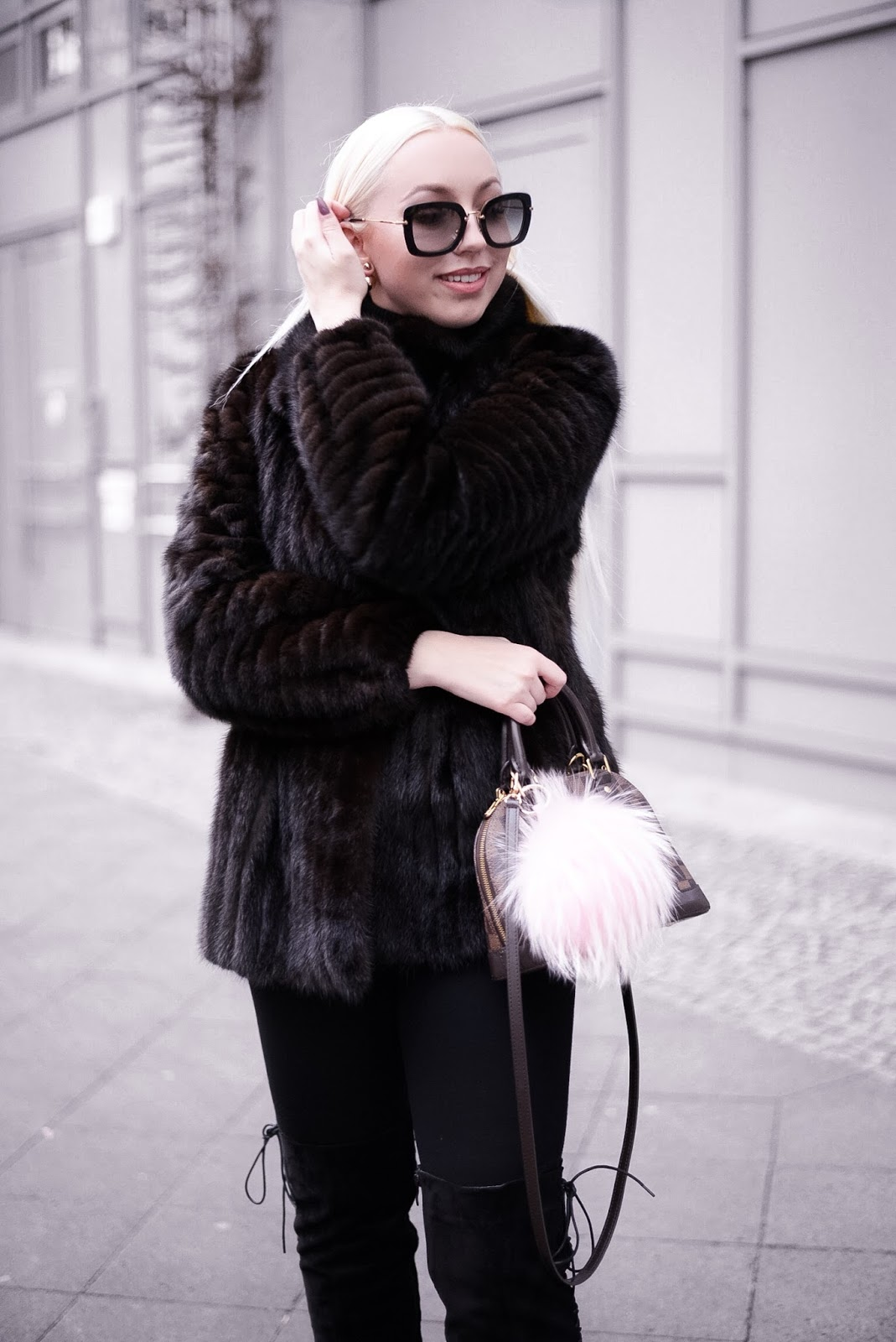 winter date night outfit_fur coat_what to wear for date night