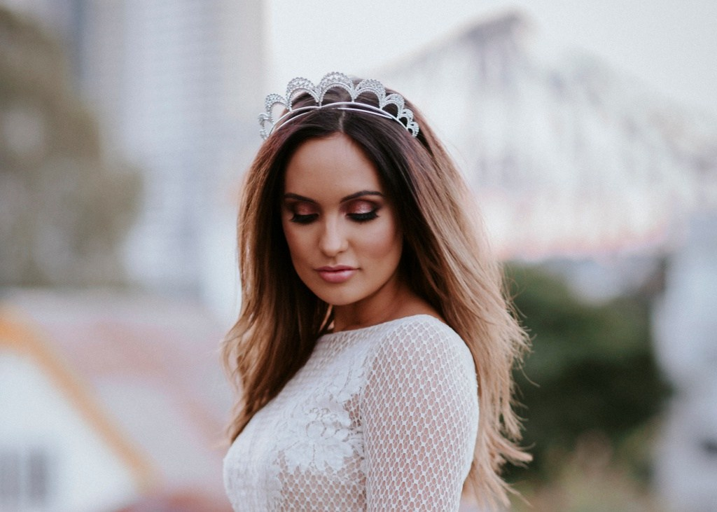 TWELVE LUXE BOHO BRIDAL HEADPIECES   AND WHERE TO FIND THEM