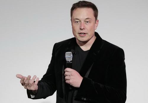 Tinuku Tesla set up autonomous truck test