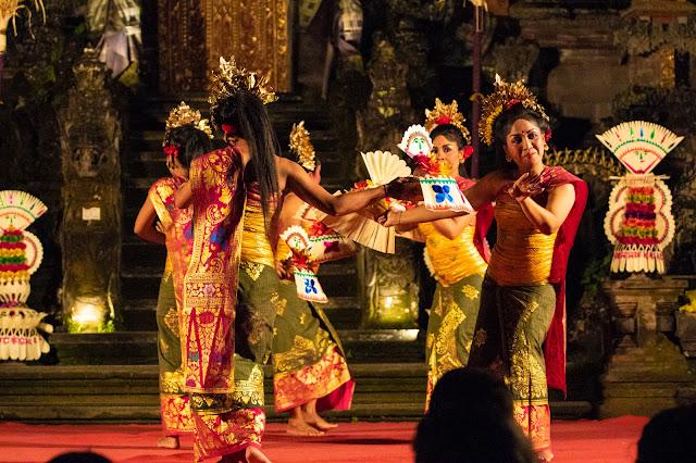 Danzatrici balli balinesi Tempio Saraswati, Ubud-Bali