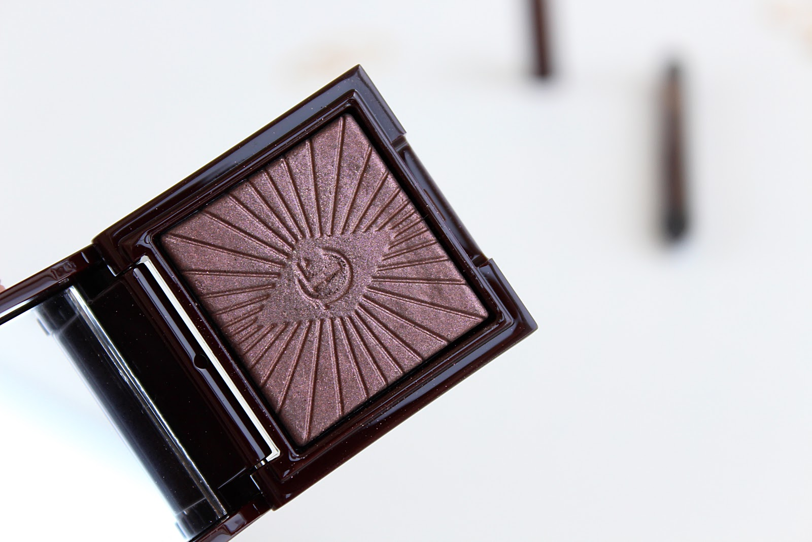 Charlotte Tilbury Nocturnal Cat Eyes To Hypnotise On the Prowl Review and Swatches, Life in Excess Blog