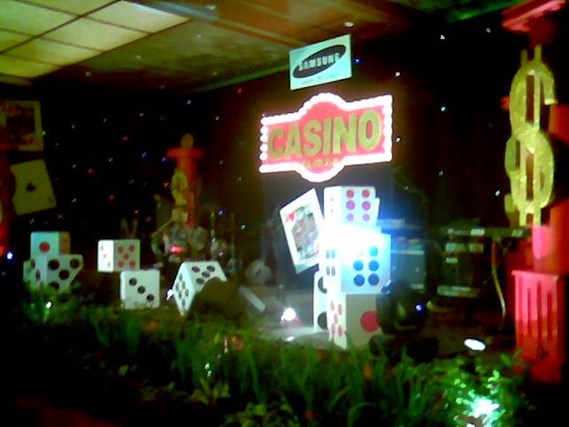 Dekorasi sweet seventeen (17 tahun) dengan Casino Theme untuk Kids party Organizer