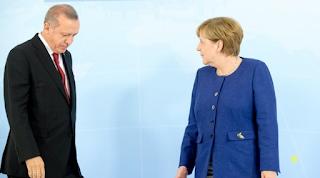 Erdoğan sıkı mesajı Merkel: Alman seçimlerine müdahale için izin verilmez
