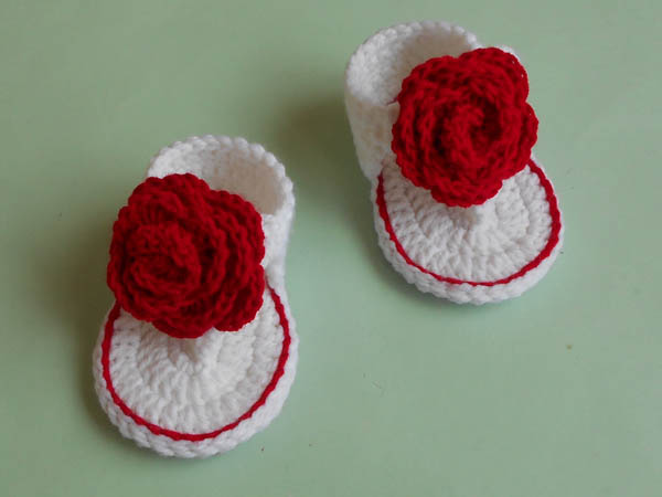 35647ad1ea97 These Crochet pattern baby sandals made and share with the same video  instruction. Those cute and easy flip flop footwear for baby girls are  perfect them in ...