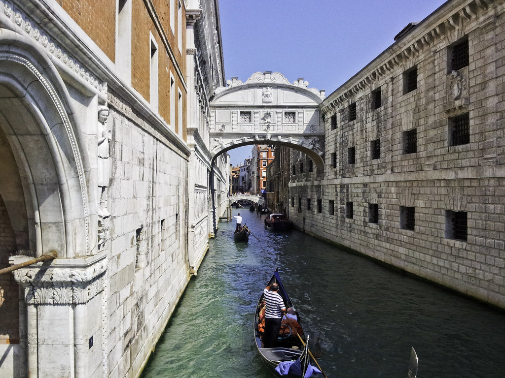beautiful bridges bridge of sighs wallpapers. Black Bedroom Furniture Sets. Home Design Ideas