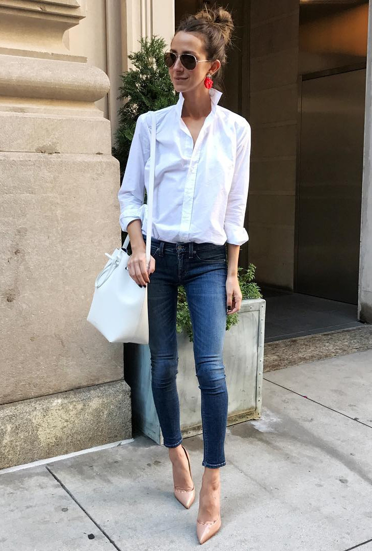 Just perfect way to wear jeans and favorite blue shirt to the office!