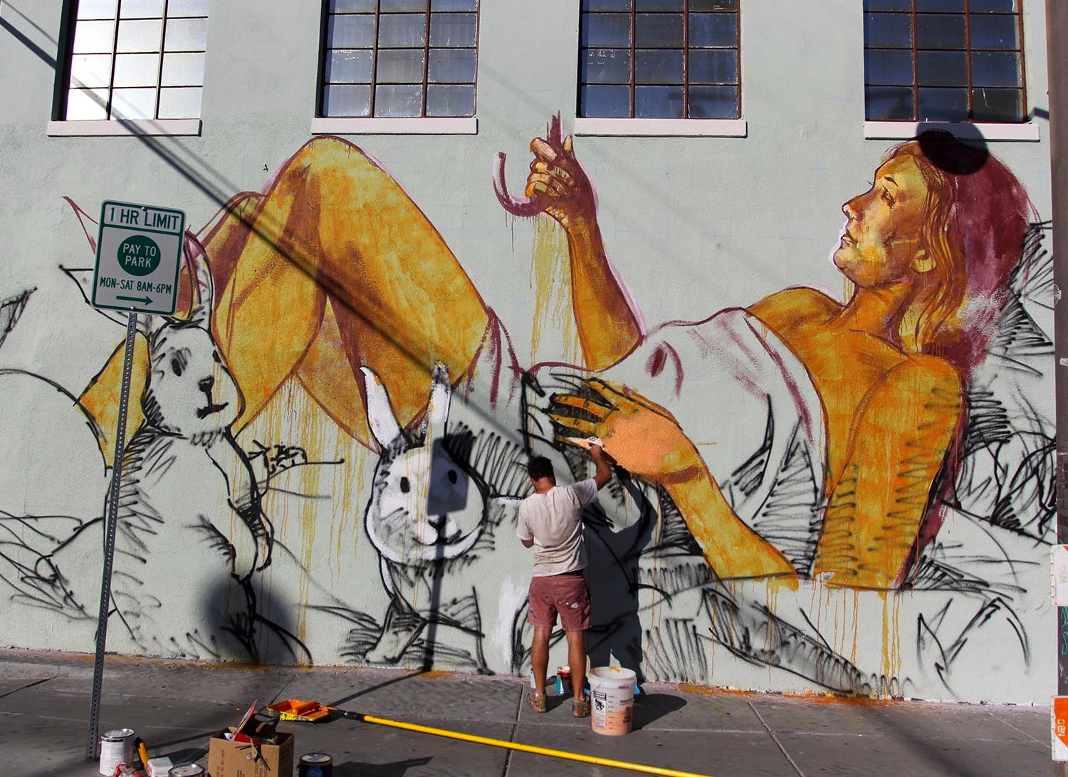 After a beautiful piece in Brisbane a few days ago, Fintan Magee is currently in the United States where he started working on a new piece in Downtown Las Vegas.