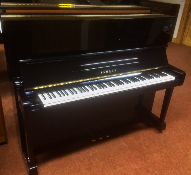 Piano Yamaha MC301