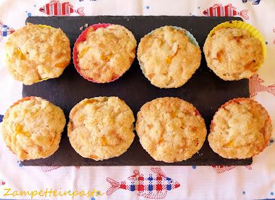 Muffin crumble con pesche