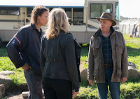Frank Dillane, Kim Dickens and Dayton Callie in Fear the Walking Dead Season 3 (11)